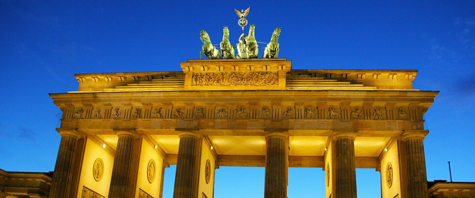 Berlin-brandenburg-gate-1920x800